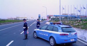 polizia stradale pattuglia